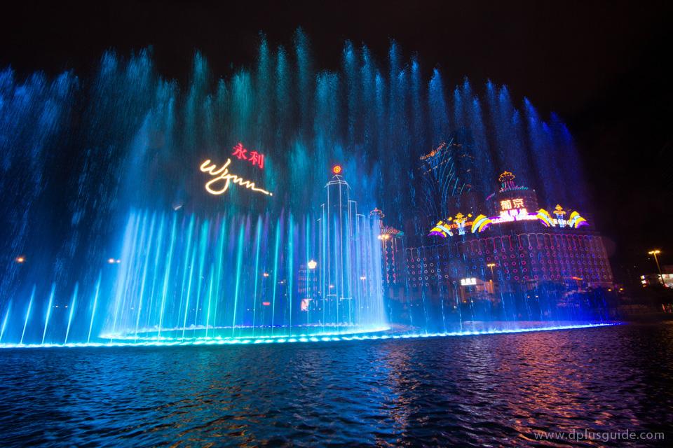 น้ำพุงาม ๆ หน้าวินน์มาเก๊า รีสอร์ท (Wynn Macau Resort)