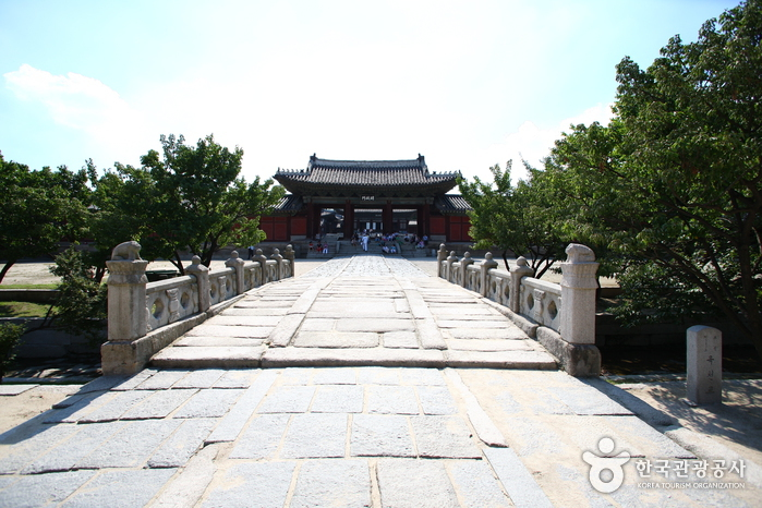 Changgyeonggung-Palace1