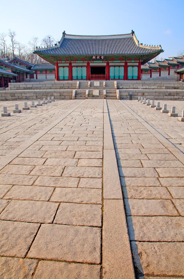 Deoksu-Palace_1562_edited1