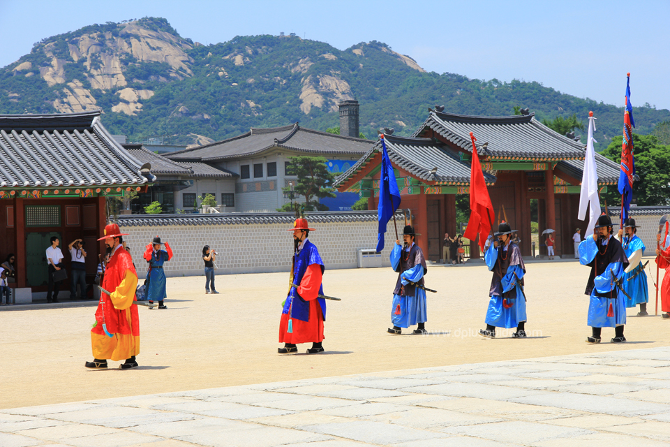 เยือนพระราชวังเคียงบก (Gyeongbok Palace) พระราชวังเก่าแก่ที่สุดแห่งราชวงศ์โชซอน