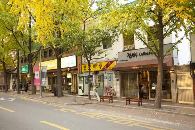 ความโรแมนติกของร้านและอาคารริมถนน Jeongdong-gil