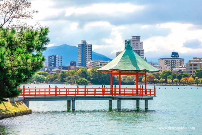 สวนโอโฮริ (Ohori) สวนสาธารณะกลางเมืองฟุกุโอกะ (Fukuoka)
