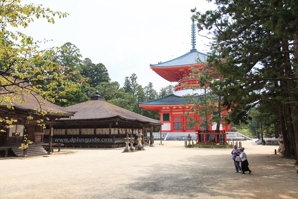 วัด Danjo Garan แห่ง เขาศักดิ์สิทธิ์โคยะซัง (Koyasan)