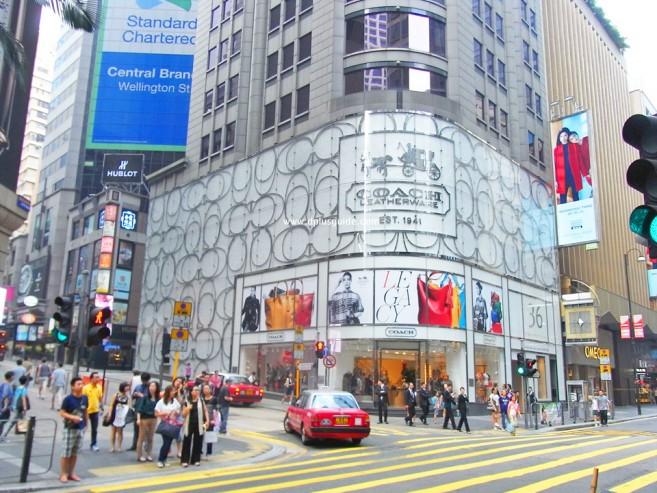 แหล่งช้อปปิ้งที่ฮ่องกง ถนนควีนส์โรด (Queen's Road) ย่านเซ็นทรัล (Central)