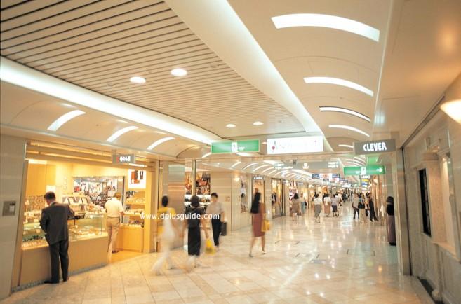 ช้อปปิ้งย่านนัมบะ (Namba) แหล่งศูนย์รวมสินค้า ความบันเทิง และสีสันยามค่ำคืนที่โอซาก้า (Osaka)