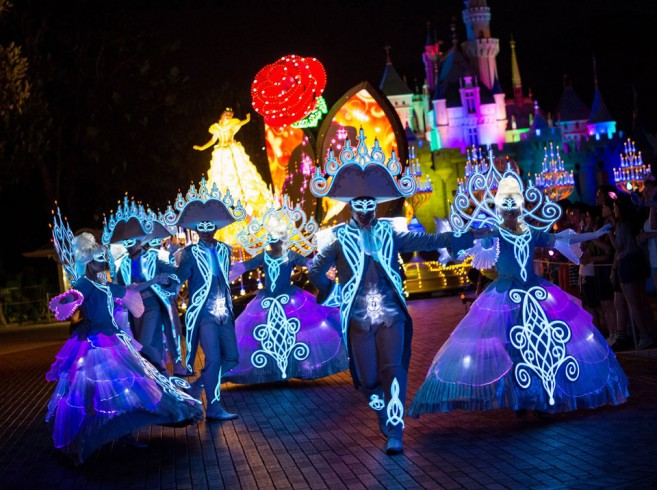 Disney-Paint-the-Night7