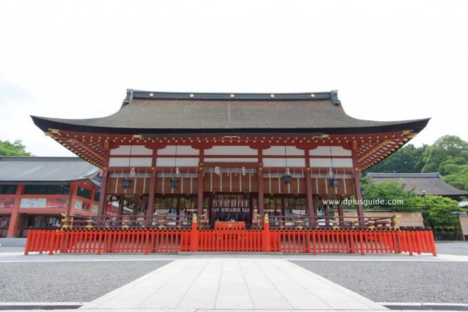 ศาลเจ้าฟูชิมิอินาริ (Fushimi Inari Shrine) หรือศาลเจ้าจิ้งจอกขาว สถานที่เที่ยวเกียวโต (Kyoto)