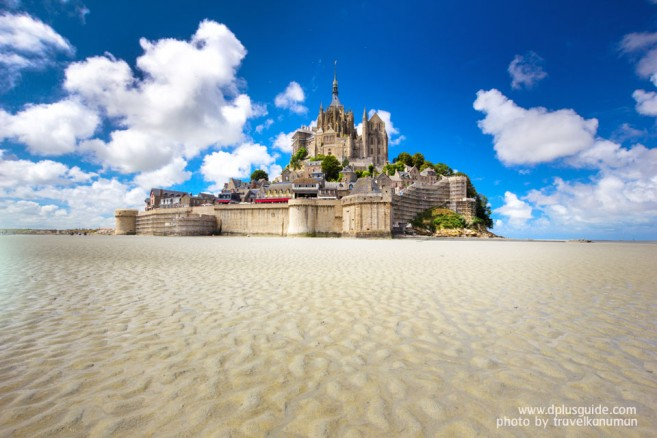 Mont Saint-Michel มงต์แซงต์-มิเชล วิหารกลางน้ำที่ฝรั่งเศส