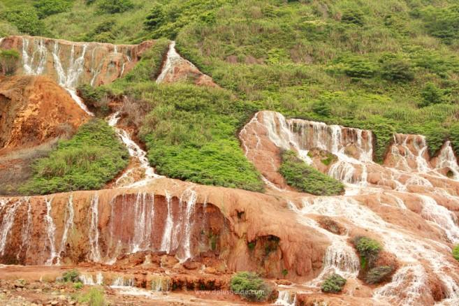 เที่ยวไต้หวัน ธารน้ำตก Golden Waterfall ใกล้ๆ พิพิธภัณฑ์ทอง ในจิ่วเฟิน
