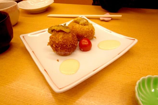 โครเก้ (Croquette) หรือที่ญี่ปุ่นเรียกว่า โคร็อกเกะ (Korokke) เป็นเมนูของทอดยอดนิยมในร้านอาหารที่ญี่ปุ่นค่ะ