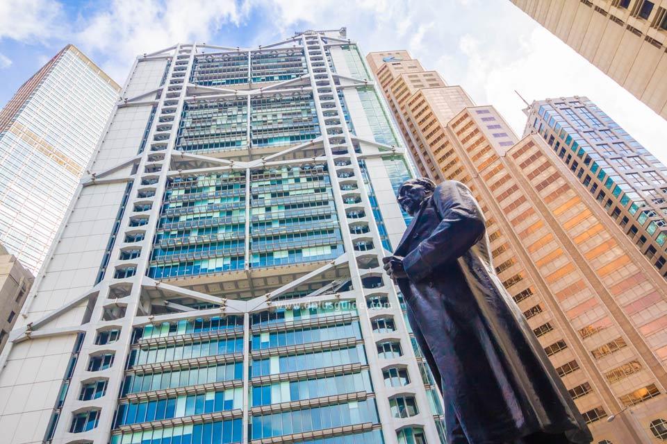 อาคารต่างๆ ในย่าน Central ของฮ่องกงล้วนมีเรื่องราว โดยเฉพาะฮวงจุ้ยและการออกแบบที่แต่ละตึกล้วนกินกันไม่ลงเลย