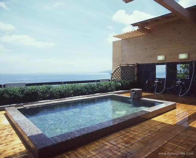 Open-Air Bath (rotennhuro) Beppu Onsen Umi Kaoru Yado Hotel New Matsumi
