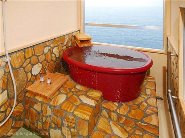 โรงแรม Beppu Onsen Umi Kaoru Yado Hotel New Matsumi Bathtub insdie the room (henkougazou)