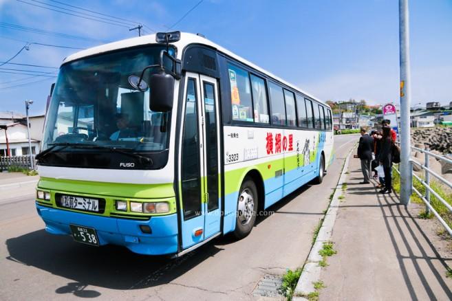 รถบัสทัวร์ที่จะพาไปยังปราสาท Matsume Castle