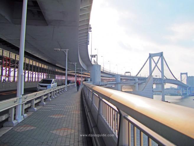 เที่ยวโตเกียว วิวจากสะพานสายรุ้ง (Rainbow Bridge) ที่โอไดบะ