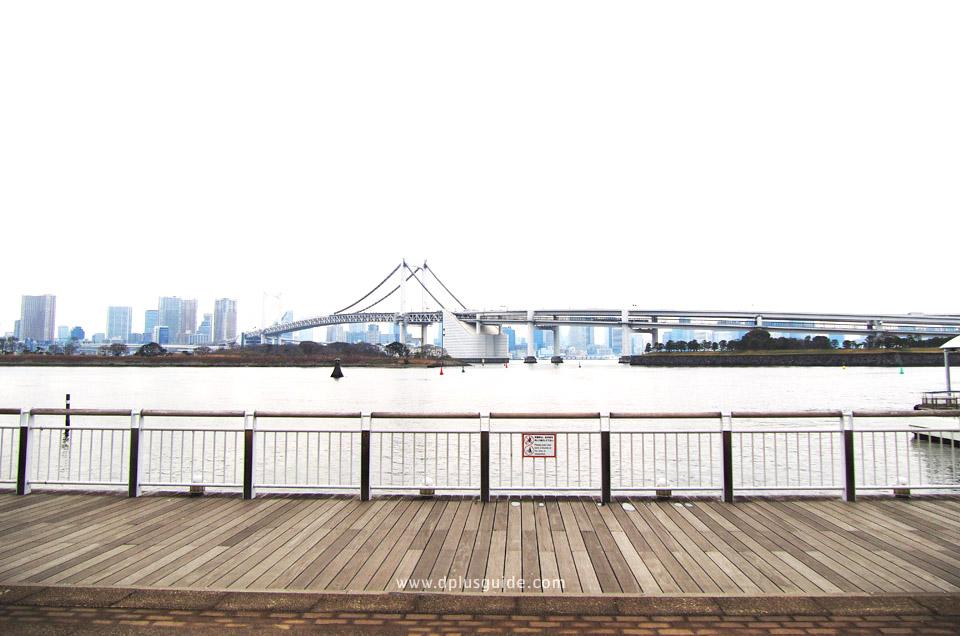 ที่เที่ยวโตเกียว สะพานสายรุ้ง (Rainbow Bridge) อันโด่งดังที่เชื่อมต่อเกาะโอไดบะกับแผ่นดินใหญ่
