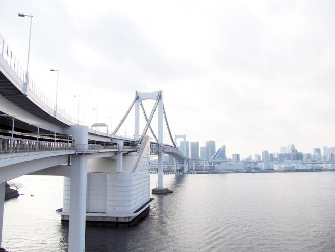 เที่ยวญี่ปุ่น เที่ยวโอไดบะ สะพานสายรุ้ง Rainbow Bridge