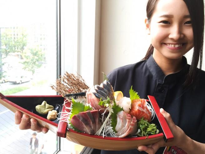 """เที่ยวฮอกไกโด """"Maido"""" ชิมเต้าหู้โฮมเมดที่ร้านอาหารทะเลและอาหารย่างถ่าน สถานีซัปโปโร"""
