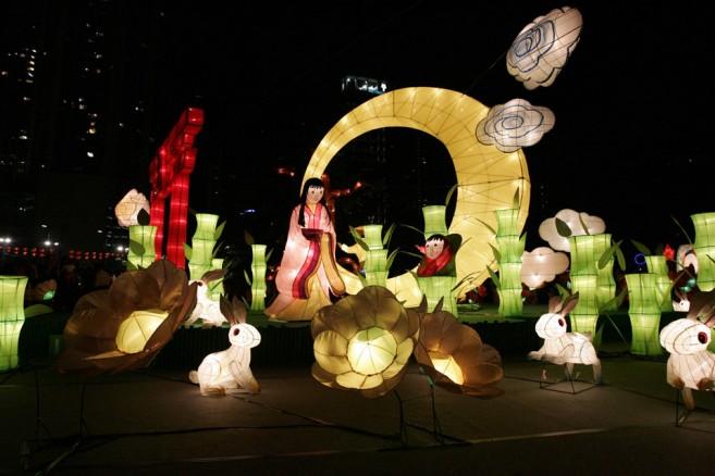 เที่ยวฮ่องกง โชว์โคมไฟที่สวนสาธารณะวิคตอเรีย วันที่ 15 ก.ย. 2016 นี้