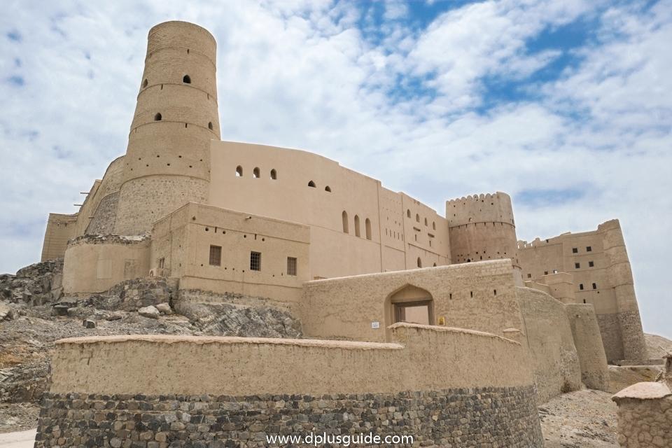 ป้อมปราการบาห์ลา (Bahla Fort) แหล่งท่องเที่ยวยอดนิยมในโอมาน