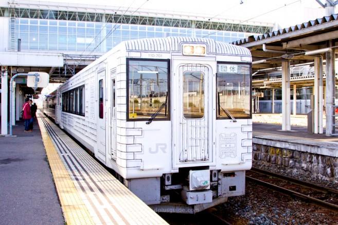 ขบวนรถไฟภัตตาคาร Tohoku Emotion เที่ยวญี่ปุ่นสายกินไม่ควรพลาด