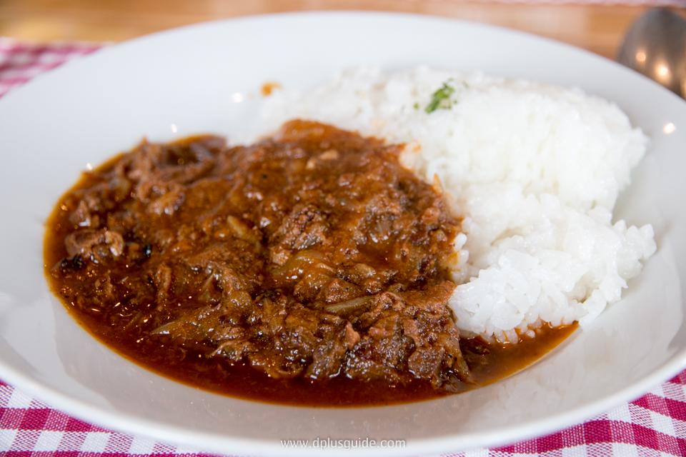 ร้านอาหาร Okirakutei Cafe & Restaurant ในเมืองบิเอะ biei ร้านเล็กที่อบอุ่น อาหารอร่อย บรรยากาศเป็นกันเอง