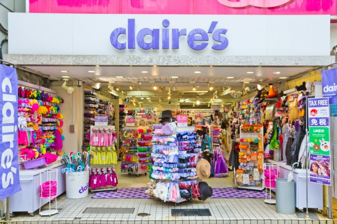 ร้าน clair's ขายเครื่องประดับสำหรับสาวๆ บนถนนทาเคชิตะ (Takeshita) ย่านฮาราจุกุ