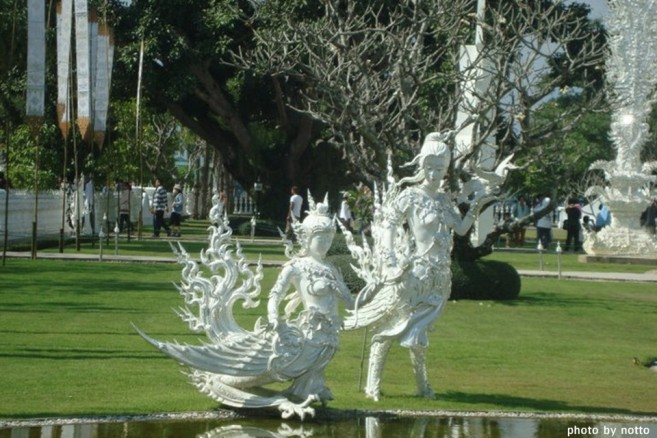 เที่ยวไทย วัดร่องขุ่น