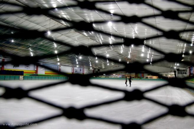 โค้ชซัทสึกิ มุราโมโตะ (Satsuki Muramoto) หัวหน้าโค้ชทีมชาติไทย ขณะกำลังเทรนนักกีฬารุ่น Developing