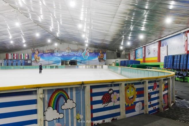 ลานสเก็ตน้ำแข็ง อิมพีเรียล เวิลด์ ไอซ์สเก็ตติ้ง (Imperial World Ice Skating)