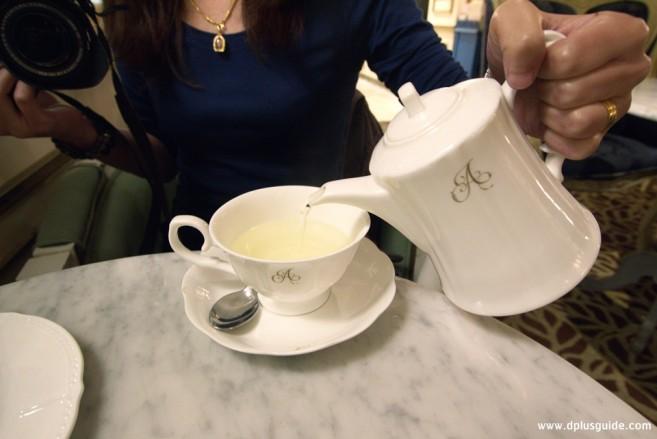 ชาจีน ชาสมุนไพร ร้าน Antoinette
