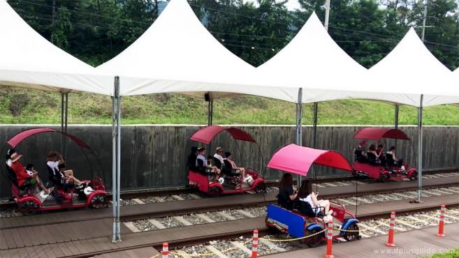 เที่ยวเกาหลี รู้จักกับรถ Rail Bike ความสนุกแบบใหม่ ปั่นเที่ยวไปบนราง ที่ Gangchon Rail Park
