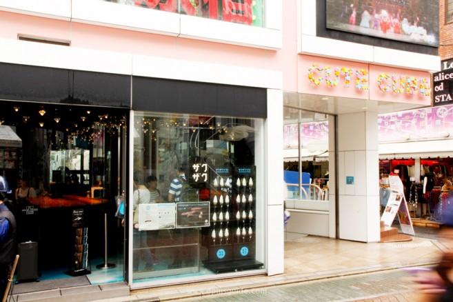 """เที่ยวโตเกียว หน้าร้าน """"Croquant Chou Zaku Zaku"""" ย่านทาเคชิตะ ฮาราจุกุ"""