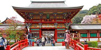 ศาลเจ้ายูโทกุ อินะริ (Yutoku Inari) ศาลเจ้ายิ่งใหญ่แห่งเมืองซากะ เกาะคิวชู (Kyushu)