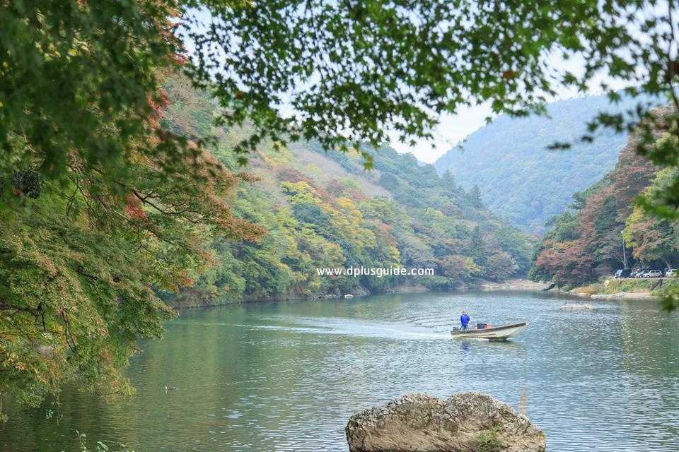 เที่ยวญี่ปุ่นชมวิวสวย ที่ทางเดินเลียบแม่น้ำโฮสุ เมืองเกียวโต (Kyoto)