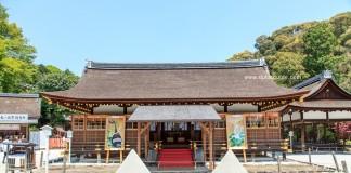 ศาลเจ้าคามิกาโมะ (Kamigamo Jinja) ศาลคาโมะเบื้องบน ศาลเจ้าเก่าที่สุดในเกียวโต