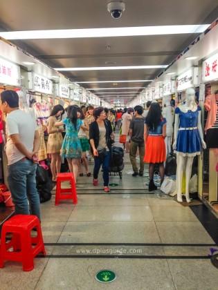 เที่ยวจีน ช้อปสินค้าส่ง ที่กวางโจว ตึก Baima Costume Market (ไป๋หม่า)