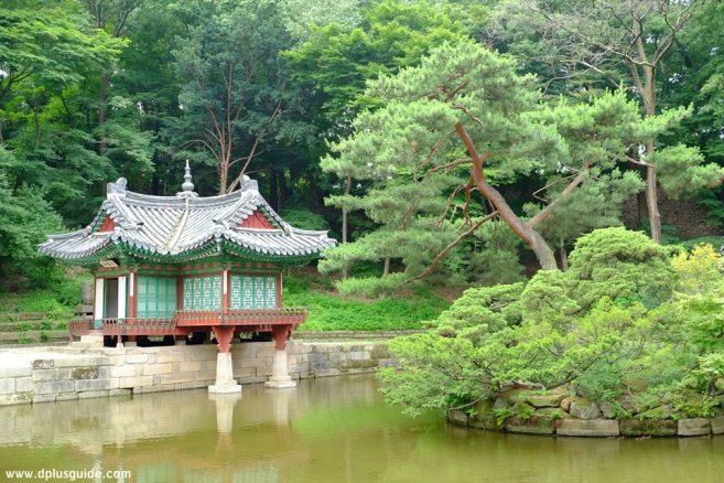 สวนลับฮูวอน (Secret Garden Huwon)