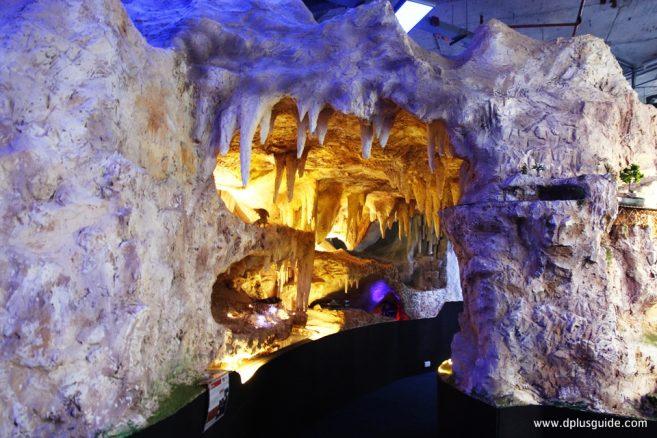ทางเข้าโซน Cave