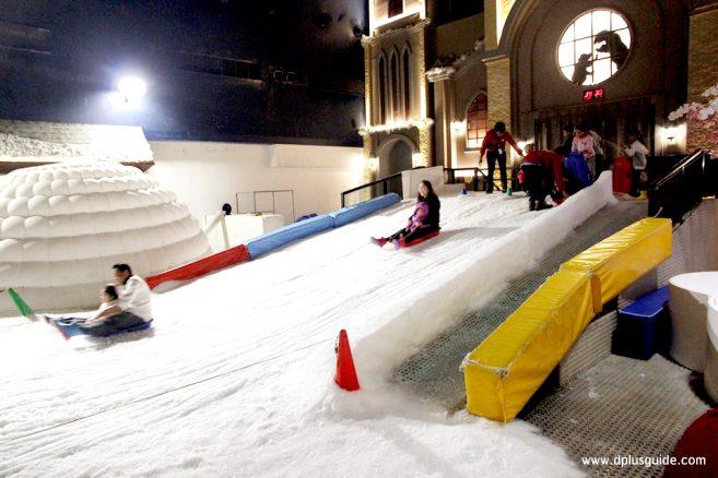 ตะลุยเมืองหิมะที่ SNOW TOWN ศูนย์การค้าเกตเวย์ เอกมัย ชั้น 5