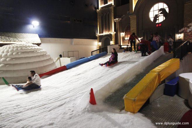 Snow Playground ลานหิมะเสมือนจริง