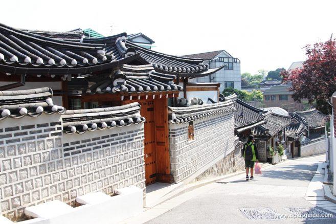 จุดถ่ายรูปที่ 3 : The Picturesque neighborhood of No.11 Gahoe-dong