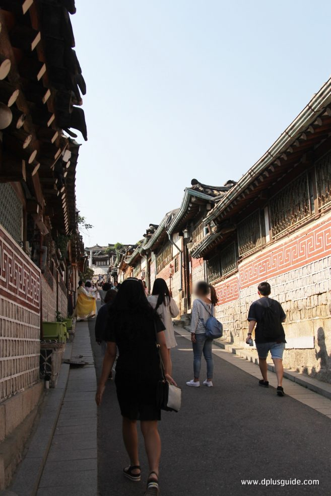 จุดถ่ายรูปที่ 5 : Downhill Alley, Gahoe-dong