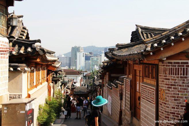 จุดถ่ายรูปที่ 6 : Uphill Alley, Gahoe-dong