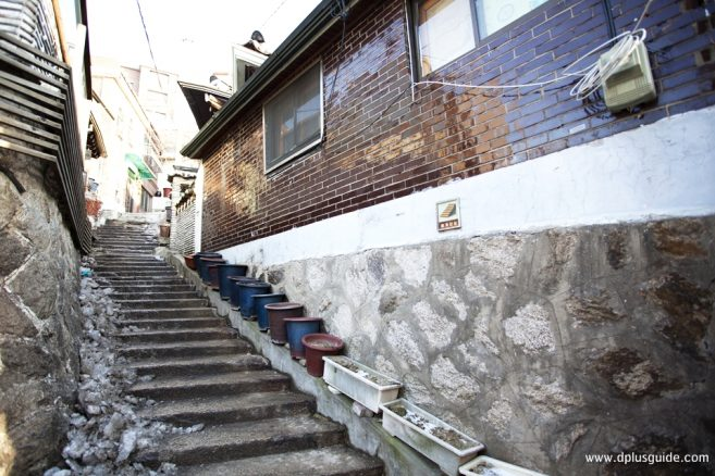 จุดถ่ายรูปที่ 8 : Stone Stairs Alley, Samcheong-dong