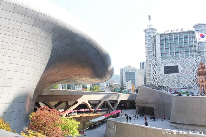 Dongdaemun Design Plaza Youth Runway Market
