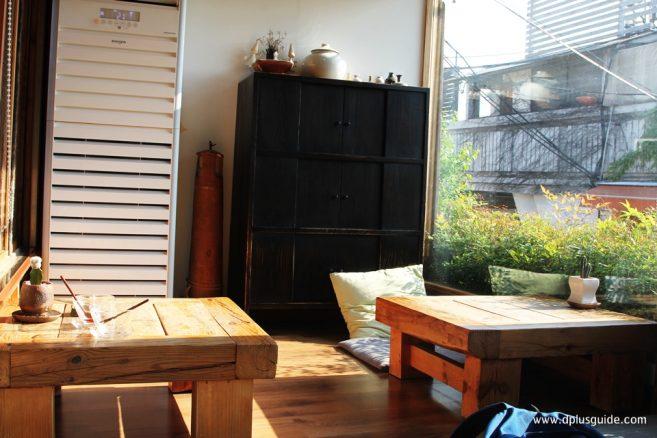 โต๊ะเตี้ยงนั่งกับพื้น หรือที่เรียกว่า อนดอล (Ondol)