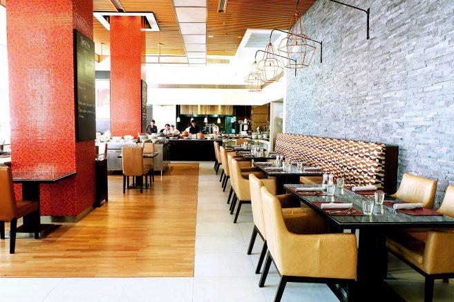 ห้องอาหาร Bistro M โรงแรมแมริออท เอ็กเซ็กคิวทีฟ อพาร์ทเมนท์ สุขุมวิท พาร์ค