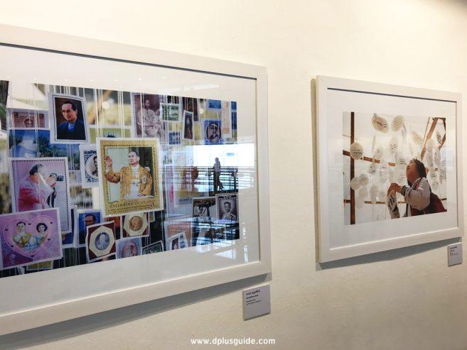 """นิทรรศการภาพถ่าย """"ร.๙ ในหลวงในดวงใจ"""" โดยศิลปิน 14 ท่าน บริเวณชั้น 3 หอศิลปวัฒนธรรมแห่งกรุงเทพมหานคร"""