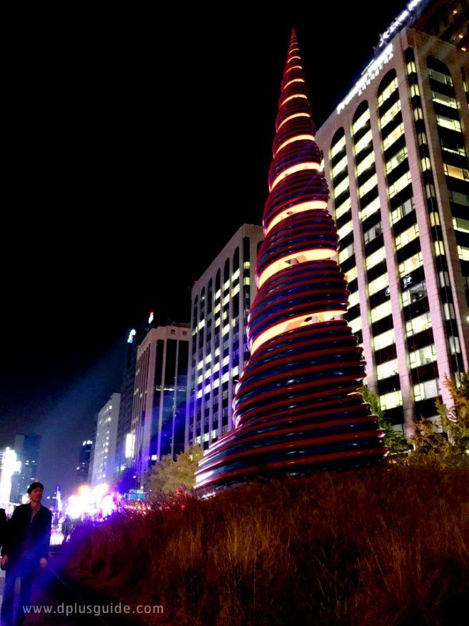 รูปปั้นหอยบริเวณต้นคลองชองเกชอน